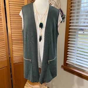 Chicos Travelers olive green open vest size 3 plus